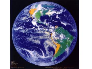 1.  The Earth  has one big ocean  with  many  features .