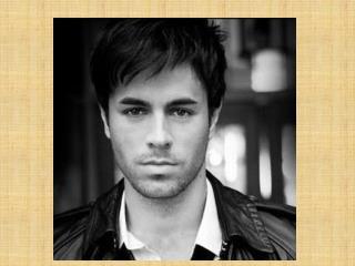 Ana  es una estudiante   de Marcus Whitman. Ana  está enamorada  de Enrique Iglesias.