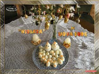 Occorrente per fare le uova sode: Due uova di gallina Due pacchetti di uova di quaglia
