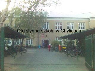 Oto słynna szkoła w Chylicach