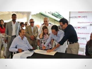 Jose Manuel Daes firma convenio para construir orfanato