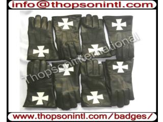 Knight Templar Gauntlet white cross