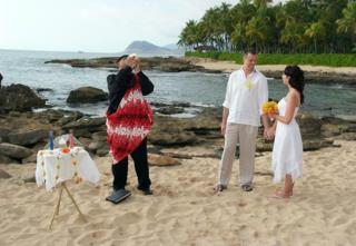 Enjoy wonderful Oahu wedding Ceremony with Loved ones