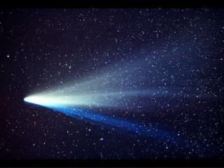 Some pictures of famous comets: