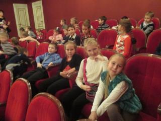 Посещаем театры
