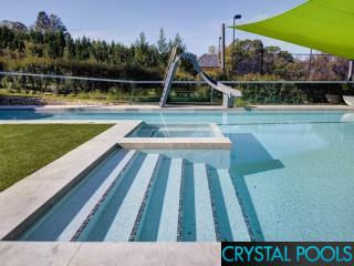 Swimming Pool Steps & Ledges