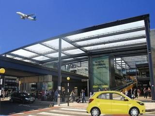 Explore London via A & B Cabs Gatwick airport taxi