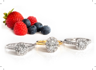 Oval and brilliant cut diamond cluster ring